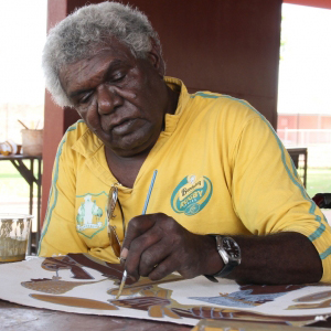 Ben Ward at work. Photo courtesy Waringarri Aboriginal Arts Centre